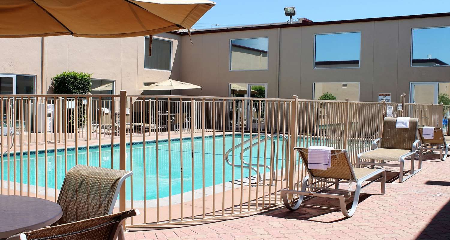 Photo of Best Western Canoga Park Pool with fence