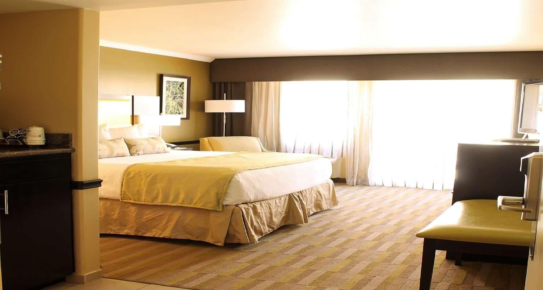 Wide shot photo of Best Western Canoga Park Suite